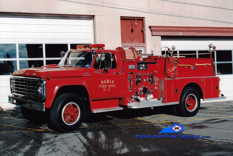 <center> RETIRED <br> Paris  Engine 3  <br> 1975 Ford F-750/American LaFrance Century 1000/500  <br> Greg Stapleton photo </center>