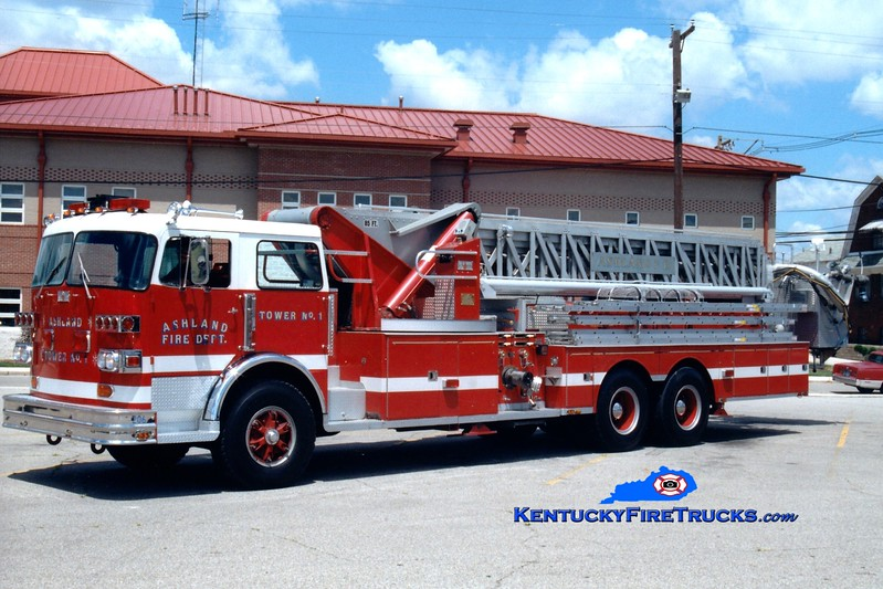 <center> RETIRED <br> Ashland  Tower 1 <br> 1977 Sutphen 1250/0/85'  <br> Greg Stapleton photo <br> </center>