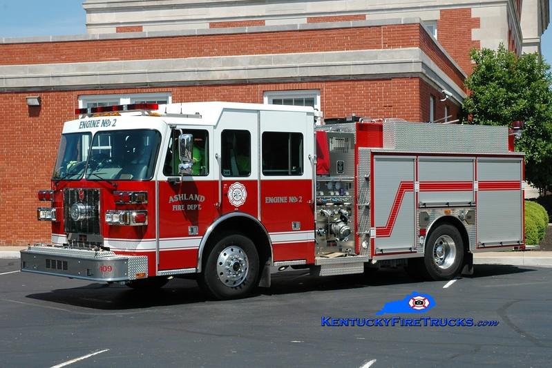 <center> Ashland  Engine 2 <br> 2011 Sutphen Shield 1250/1000 <br> Greg Stapleton photo <br> </center>
