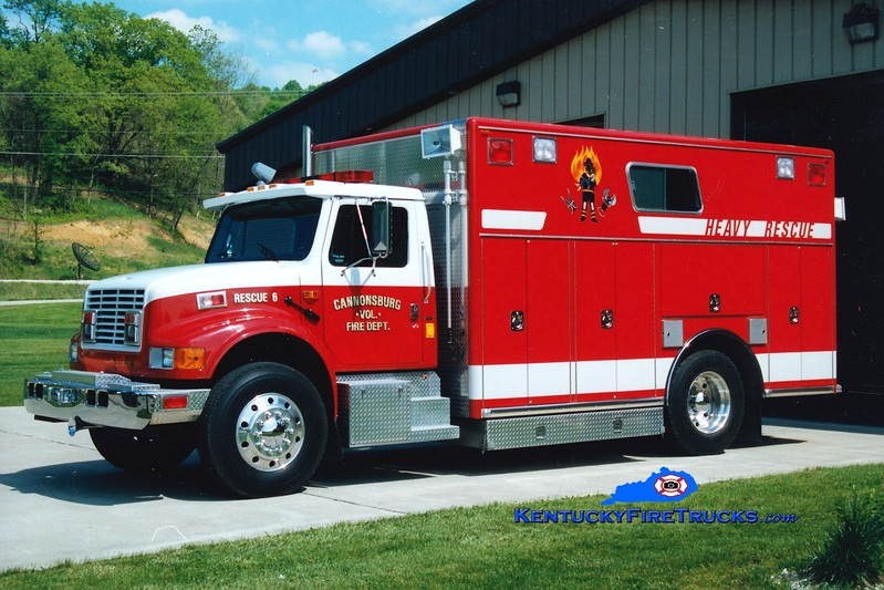 <center> Cannonsburg  Rescue 6  <br> 1991 International 4900/Cayel Craft  <br> Greg Stapleton photo </center>