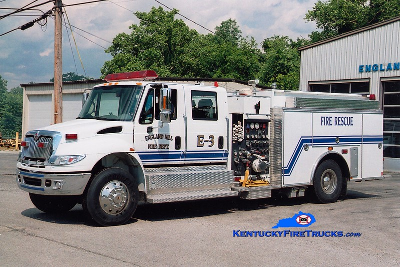 <center> England Hil   Engine 3 <br> 2004 International 4400/Smeal 1250/1000 <br> Greg Stapleton photo <br> </center>