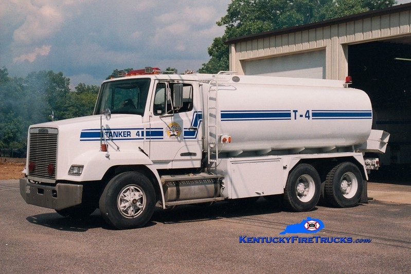 <center> RETIRED <br> England Hill  Tanker 4 <br> 1995 Freightliner/Local 0/3500 <br> Greg Stapleton photo <br> </center>