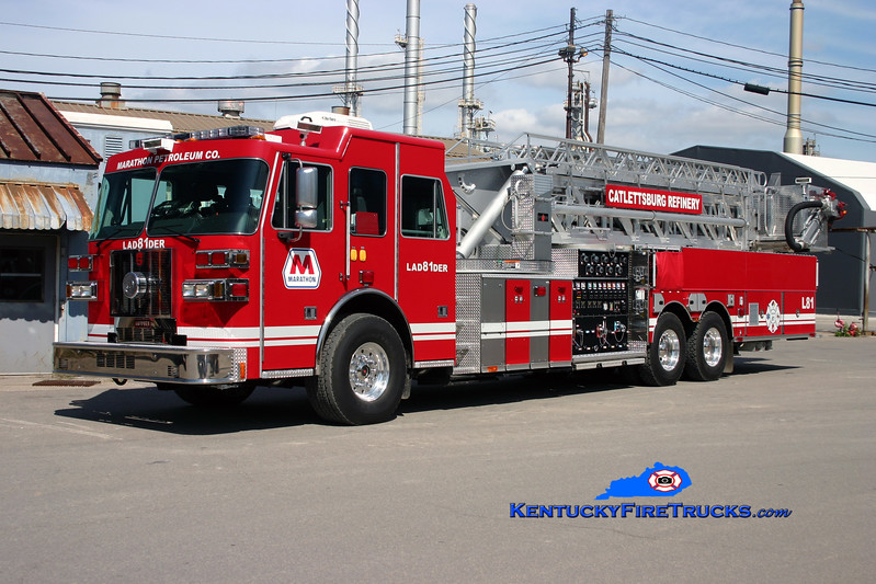 <center> Marathon Oil Catlettsburg Refinery  Ladder 1 <br> 2009 Sutphen Tank Killer 3000/800F/112'  <br> Kent Parrish photo <br> </center>