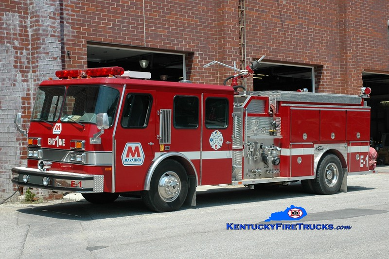 <center> Marathon Oil Catlettsburg Refinery  Engine 1 <br> 1992 E-One Cyclone 2000/1000F <br> Greg Stapleton photo <br> </center>