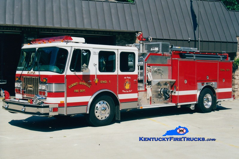 <center> RETIRED <br> Summit-Ironville  Engine 1 <br> 1997 E-One Cyclone II 1500/750 <br> Greg Stapleton photo </center>