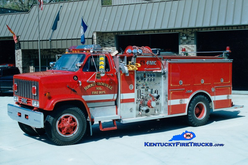 <center> Summit-Ironville  Engine 6 <br> 1986 GMC TopKick/FMC 1000/1000 <br> Greg Stapleton photo </center>