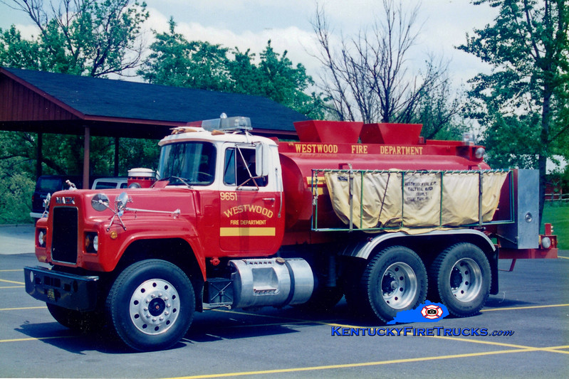 <center> RETIRED <br> Westwood  Tanker 8651<br> 1979 Mack R/Boyd 0/1750 <br> Greg Stapleton photo <br> </center>