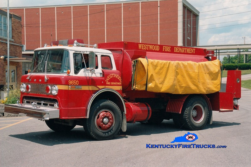 <center> Westwood  Tanker 9650 <br> 1982 Ford C/Boyd 0/1900 <br> Greg Stapleton photo <br> </center>