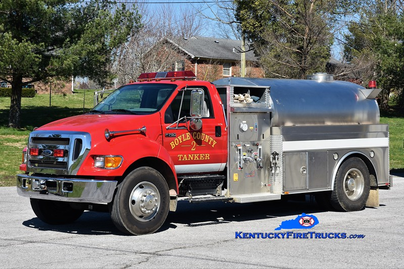 Boyle County Tanker 2 <br /> x-Tanker 1 and 6  <br /> 2004 Ford F-750/Bluegrass 350/1800 <br /> Greg Stapleton photo