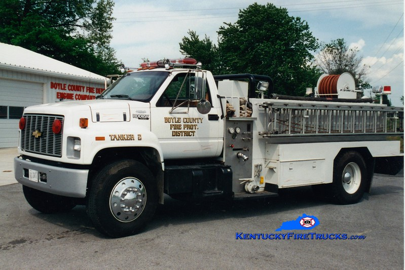 <center> RETIRED <br> Boyle County  Tanker 2 <br> 1990 Chevy Kodiak/Local 250/1500 <br> Greg Stapleton photo </center>