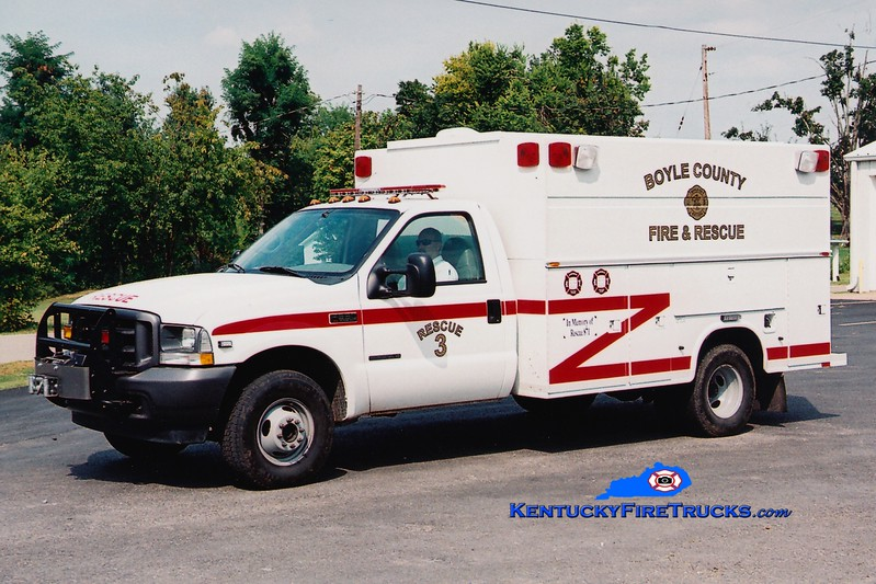 <center> Boyle County  Rescue 3<br> 2002 Ford F-350 4x4/Knapheide <br> Greg Stapleton photo </center>