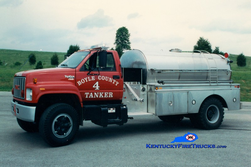 <center> RETIRED <br> Boyle County  Tanker 4 <br> 1993 Ford F-750/Bluegrass 250/1800 <br> Greg Stapleton photo </center>