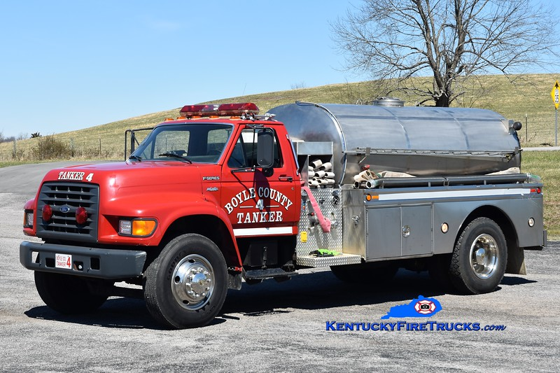 Boyle County Tanker 4<br /> x-Tanker 1 <br /> 1997 Ford F-750/Bluegrass 250/1800 <br /> Greg Stapleton photo