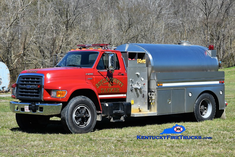 Boyle County Tanker 6 <br /> x-Tanker 2 <br /> 1998 Ford F-750/Bluegrass 250/2000 <br /> Greg Stapleton photo