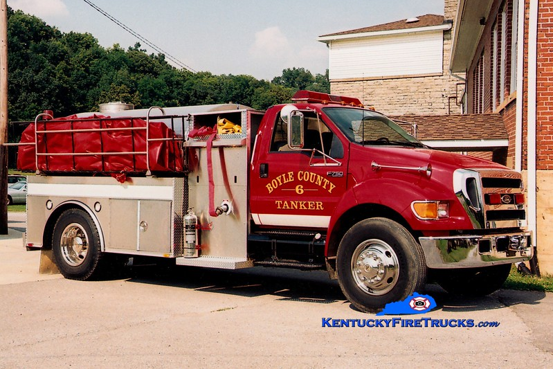 <center> *Reassigned to Company 1 <br> Boyle County  Tanker 6 <br> 2004 Ford F-750/Bluegrass 350/1800 <br> Greg Stapleton photo </center>