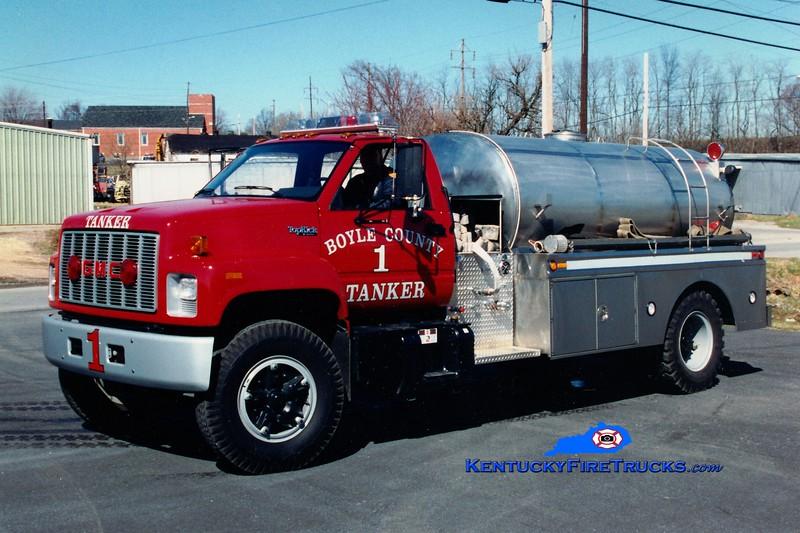 <center> RETIRED <br> Boyle County  Tanker 1 <br> 1991 GMC/Bluegrass 250/1800 <br> Greg Stapleton photo </center>