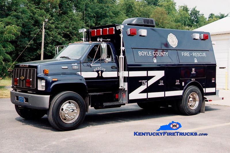 <center> Boyle County  Rescue 1 <br> 2001 Chevy C7500/Warner/Wynn <br> Greg Stapleton photo </center>