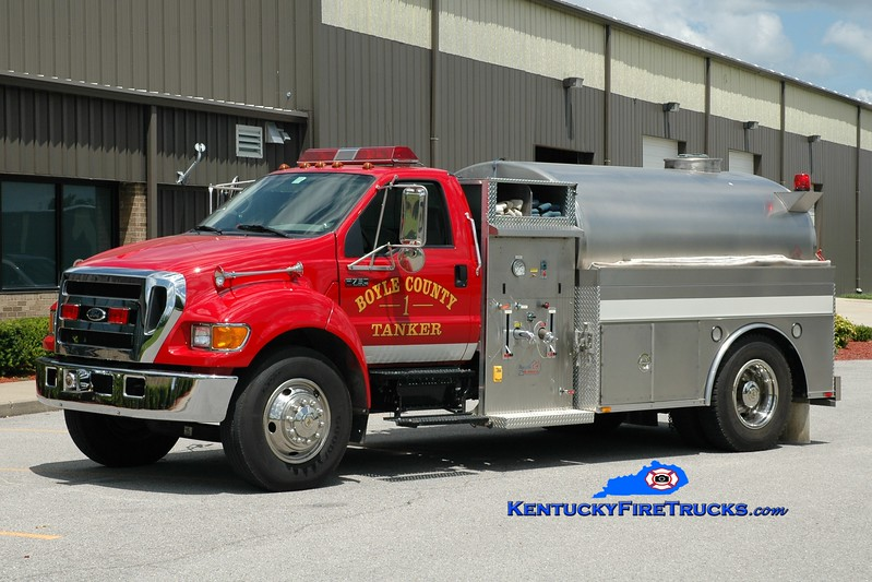 <center> REASSIGNED <br> Boyle County  Tanker 1 <br> *Has served as Tanker 1, 2 and 6 <br> 2004 Ford F-750/Bluegrass 350/1800 <br> Greg Stapleton photo </center>
