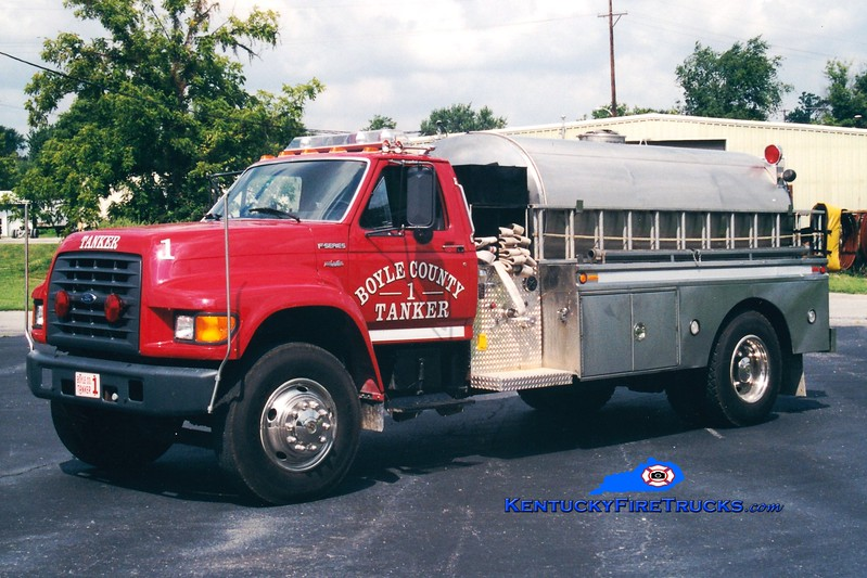 <center> REASSIGNED <br> Boyle County  Tanker 1 <br> 1997 Ford F-750/Bluegrass 250/1800 <br> Greg Stapleton photo </center>