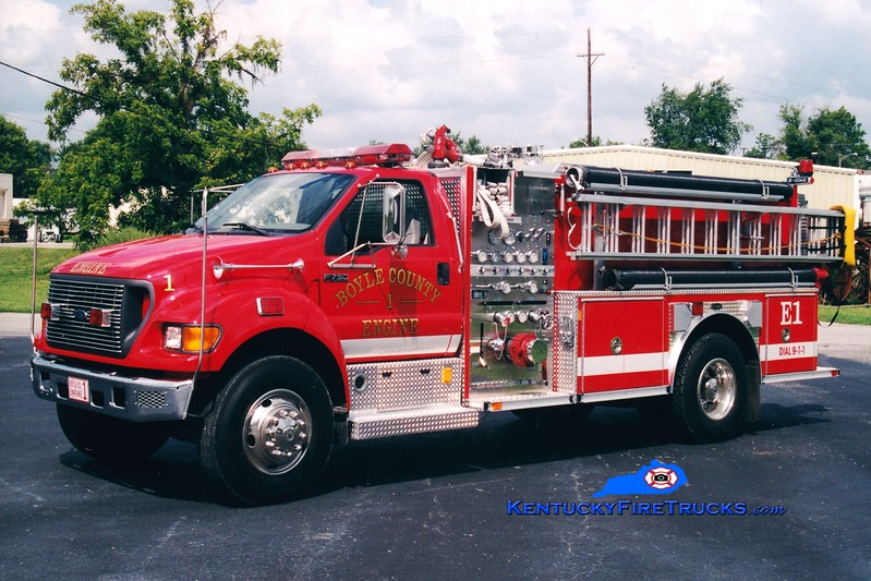 <center> Boyle County  Engine 1 <br> 2001 Ford F-750/E-One 1250/1000 <br> Greg Stapleton photo </center>