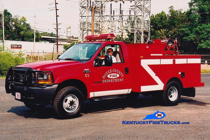 <center> Boyle County  Utility/Brush 1<br> 2000 Ford F-350 4x4/Mertz 250/250 <br> Greg Stapleton photo </center>