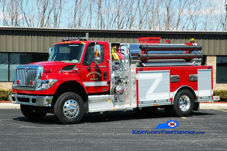 <center> Boyle County  Tanker 1 <br> x-Tanker 2 <br> 2013 International 7500/Southeast 750/2000 <br> Greg Stapleton photo </center>