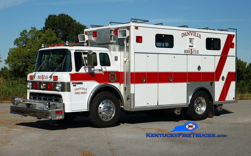 <center> Danville  Rescue 1  <br> x-Shelby County, KY <br> 1991 Ford C-8000/EVI   <br> Kent Parrish photo </center>