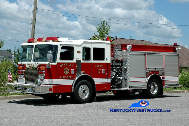 <center> Danville  Reserve Engine 17  <br> 2000 KME Excel 1500/500 <br> Greg Stapleton photo </center>