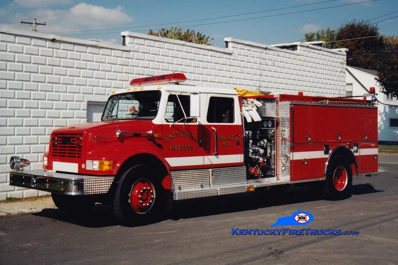 <center> Junction City  Engine 901  <br> 1997 International 4900/Pierce 1250/1000 <br> Greg Stapleton photo </center>