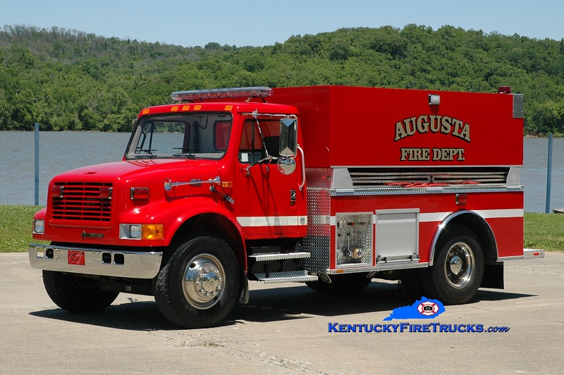 Augusta  Tanker 399<br /> 1999 International 4900/2016 Southeast 250/2000<br /> Greg Stapleton photo