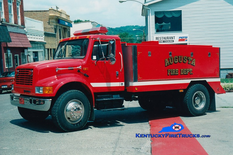 <center> Augusta  Tanker 399  <br> 1999 International 4900/Local 0/2000 <br> Greg Stapleton photo <br> </center>