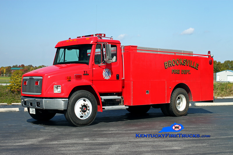 <center> Brooksville  Tanker 1 <br> *Refurbished in 2012 <br> 1997 Freightliner FL70/Local/Summit 250/2000 <br> Kent Parrish photo <br> </center>