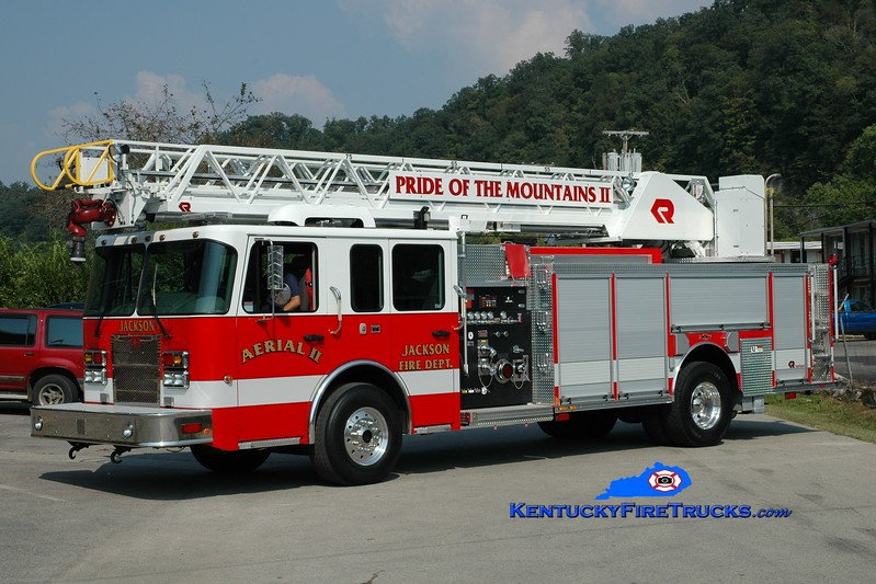 <center> Jackson  Aerial 2 <br> 2009 Spartan Metro Star/Rosenbauer-Central 1500/250/75' <br> Greg Stapleton photo <br> </center>