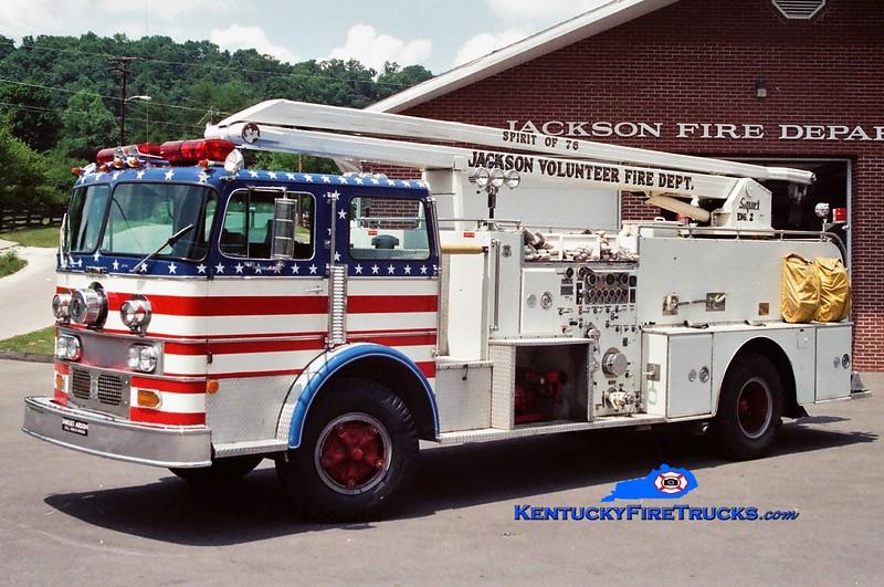 RETIRED <br /> Jackson Engine 2 <br /> x-Weirton, WV <br /> 1971 Duplex/Howe 1500/300/54' Squrt <br /> Greg Stapleton photo