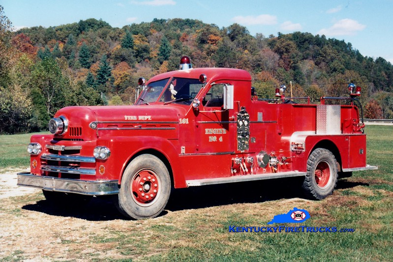 <center> RETIRED <br> Quicksand  Engine 4 <br> x-Lexington, KY <br> 1963 Seagrave 1000/300 <br> Greg Stapleton photo </center>