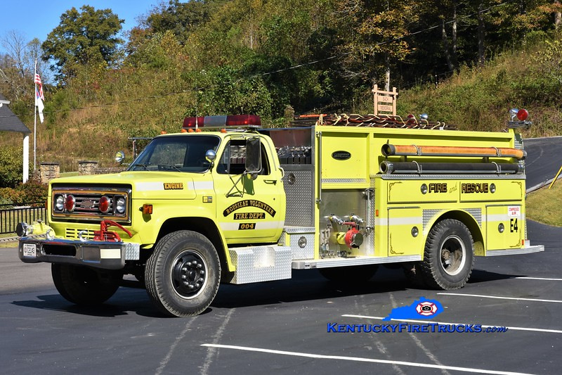 Rousseau  Engine 4<br /> x-Garrard County, KY<br /> 1982 Chevy C70/E-One 1000/1000<br /> Greg Stapleton photo