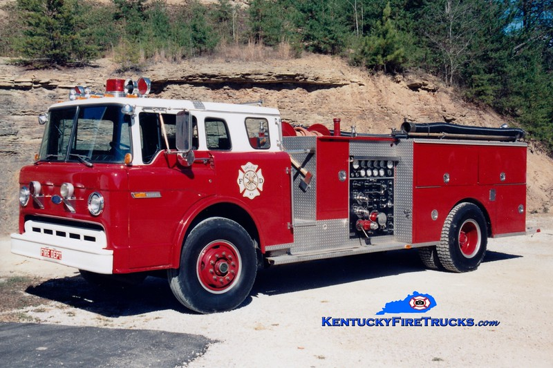 <center> RETIRED <br> Van Cleve  Engine 1 <br> 1986 Ford C/1973 Pierce 1000/500 <br> Greg Stapleton photo </center>