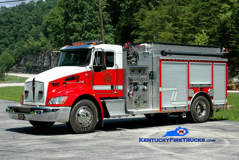 <center> Van Cleve  Engine 1 <br> 2009 Kenworth T-300/Wynn 1250/1000 <br> Greg Stapleton photo </center>
