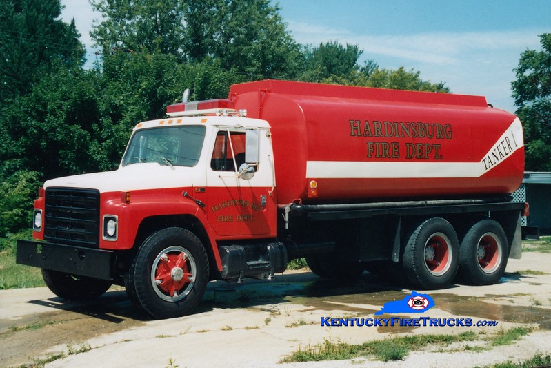 <center> RETIRED <br> Hardinsburg  Tanker 1 <br> 1976 International S/Local 0/4200  <br> Greg Stapleton photo </center>
