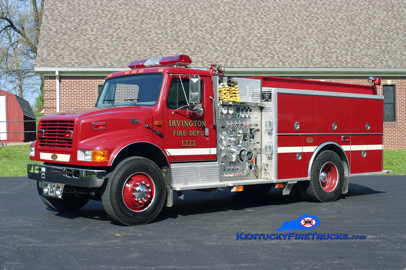<center> Irvington  Engine 1222 <br> 2001 International 4900/KME 1000/1000/20 <br> Kent Parrish photo </center>