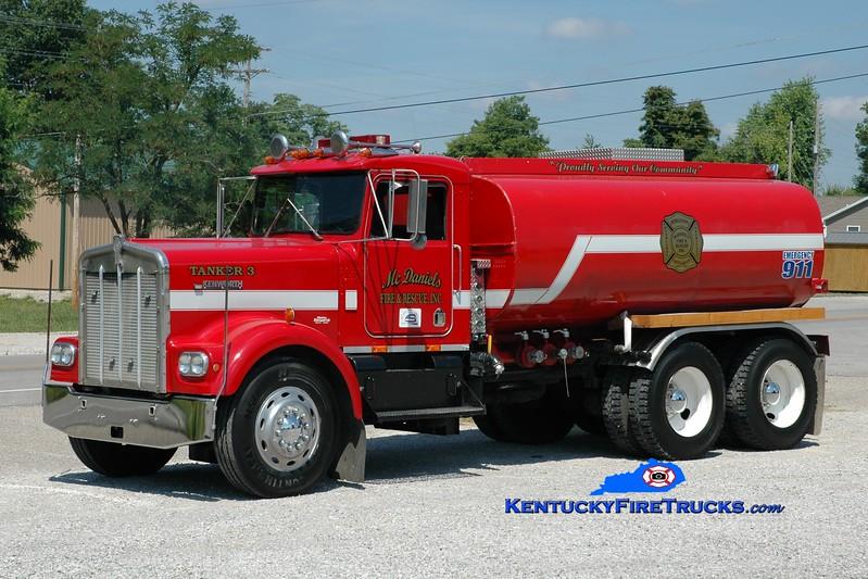 <center> McDaniels  Tanker 3 <br> 1973 Kenworth W900/Local 250/3000 <br> Greg Stapleton photo </center>