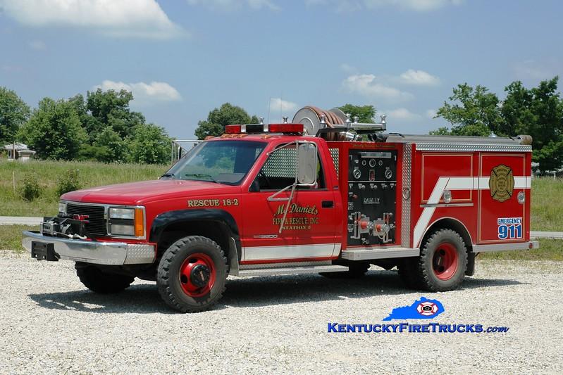 <center> McDaniels  Rescue 2 <br> x-Whitesville, KY <br> 1990 GMC 3500 4x4/Darley 250/250 <br> Greg Stapleton photo </center>