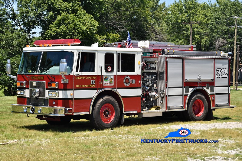 Lebanon Junction Engine 5132<br /> x-Zoneton, KY<br /> 1996 Pierce Saber 1500/750<br /> Greg Stapleton photo