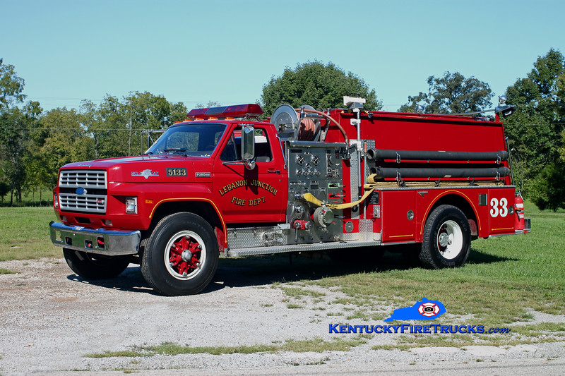 <center> Lebanon Junction Engine 5133 <br> 1984 Ford F-700/Grumman 1000/750 <br> Kent Parrish photo </center>