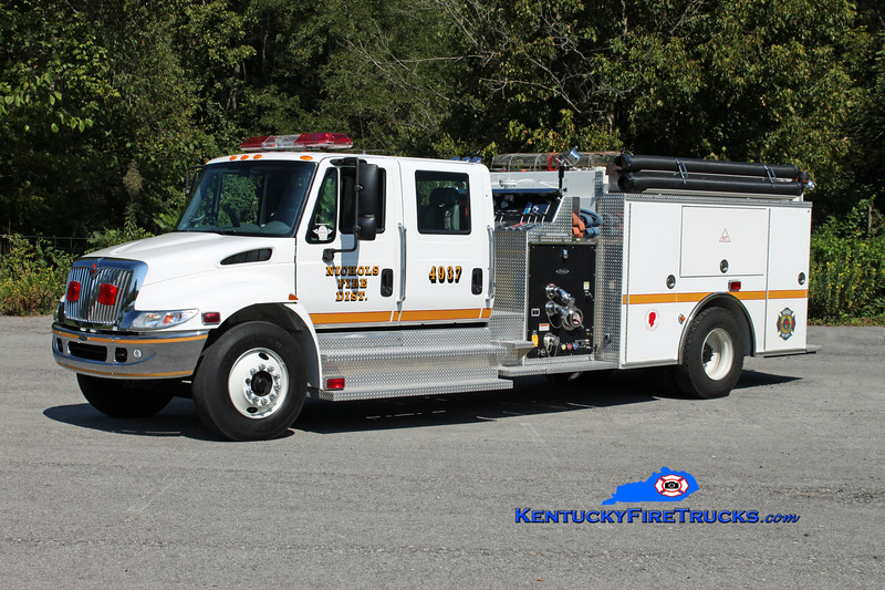 <center> Nichols  Engine 4937 <br> 2003 International 4400/Pierce 1250/1000 <br> Kent Parrish photo <br> </center>