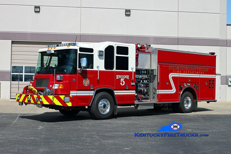 <center> Shepherdsville Reserve Engine 5 <br> x-Longwood FC, PA <br> 2001 Pierce Quantum 2000/1000 <br> Kent Parrish photo </center>