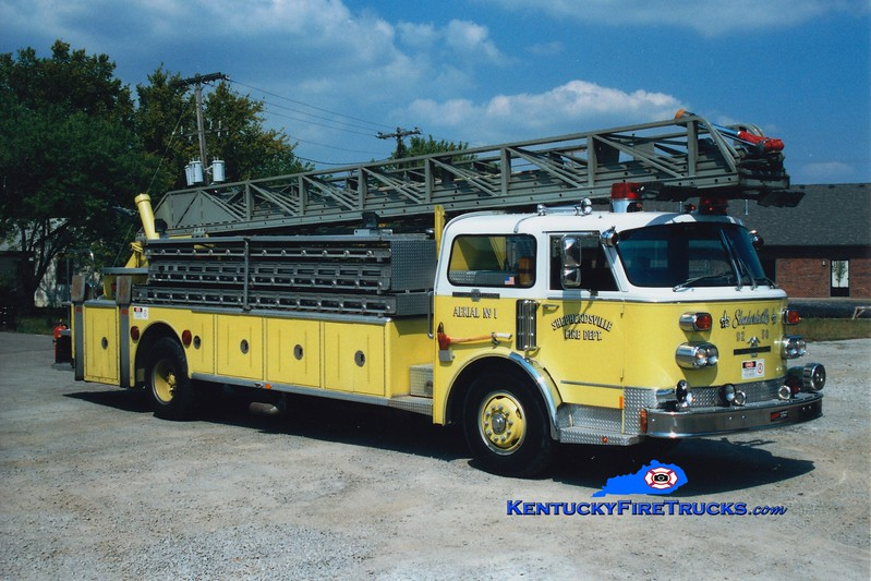 <center> RETIRED <br> Shepherdsville Aerial 1 <br> x-Brazil, IN <br> 1975 American LaFrance Century 100' <br> Greg Stapleton photo </center>