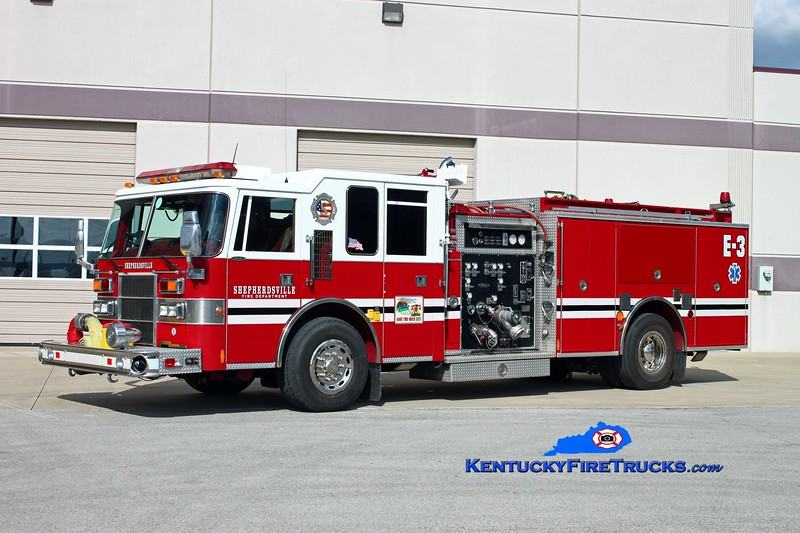 <center> Shepherdsville Engine 3 <br> x-Okolona, KY <br> 1996 Pierce Dash 1250/500 <br> Kent Parrish photo </center>