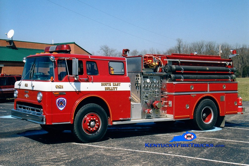 <center> RETIRED <br> Southeast Bullitt Engine 6121 <br> 1986 Ford C-8000/Grumman 1000/1000 <br> Greg Stapleton photo </center>