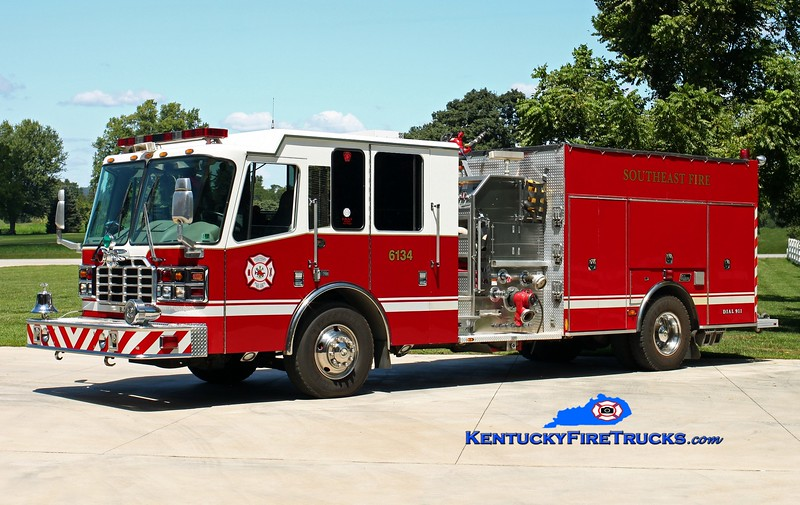 <center> Southeast Bullitt Engine 6134 <br> x-Berkeley Hills, PA <br> 2003 Ferrara Igniter/New Lexington 2000/750 <br> Kent Parrish photo </center>